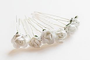 svatební líčení doplňky - sponky s květinami